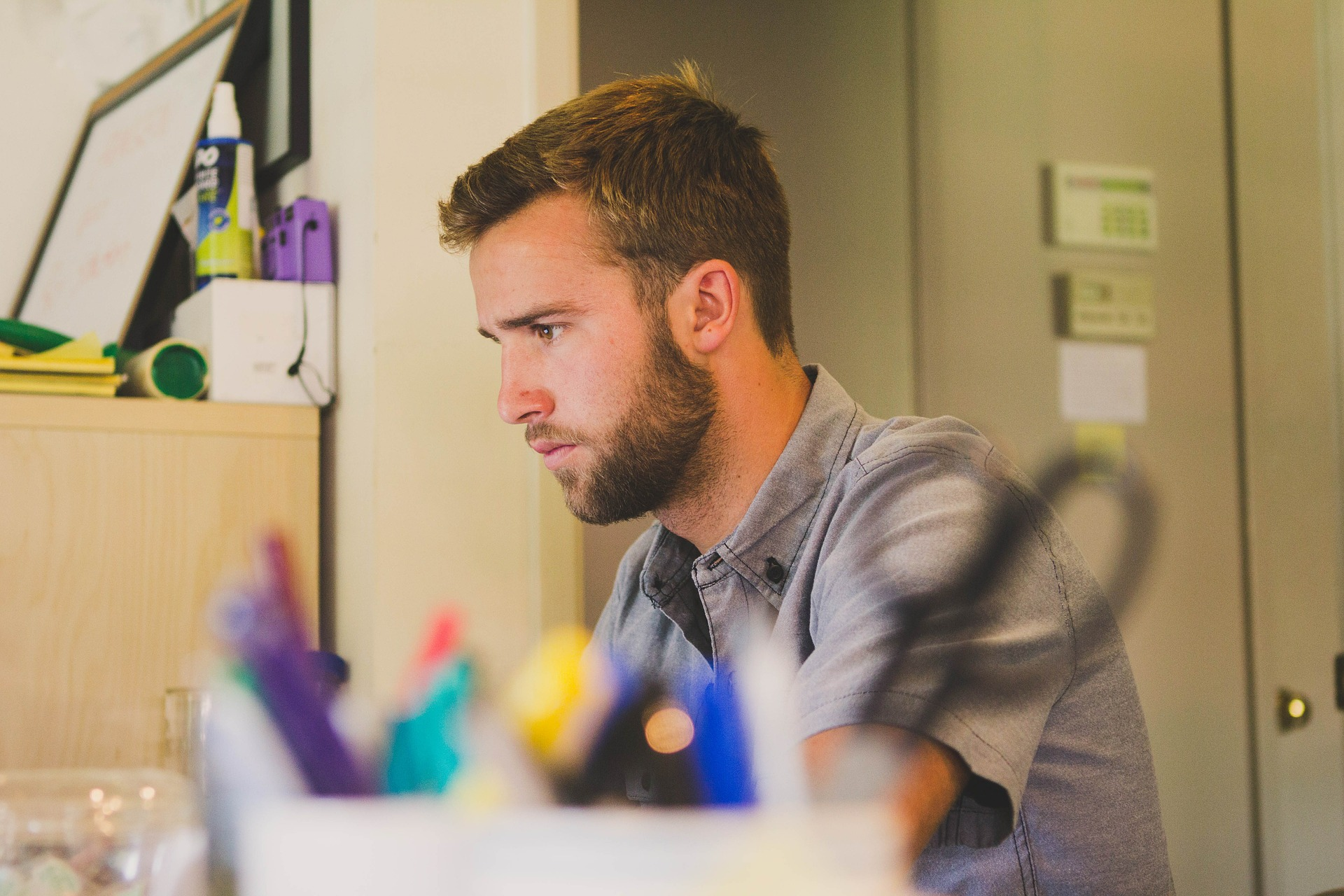 find out if you are absorbed by your work or a workaholic
